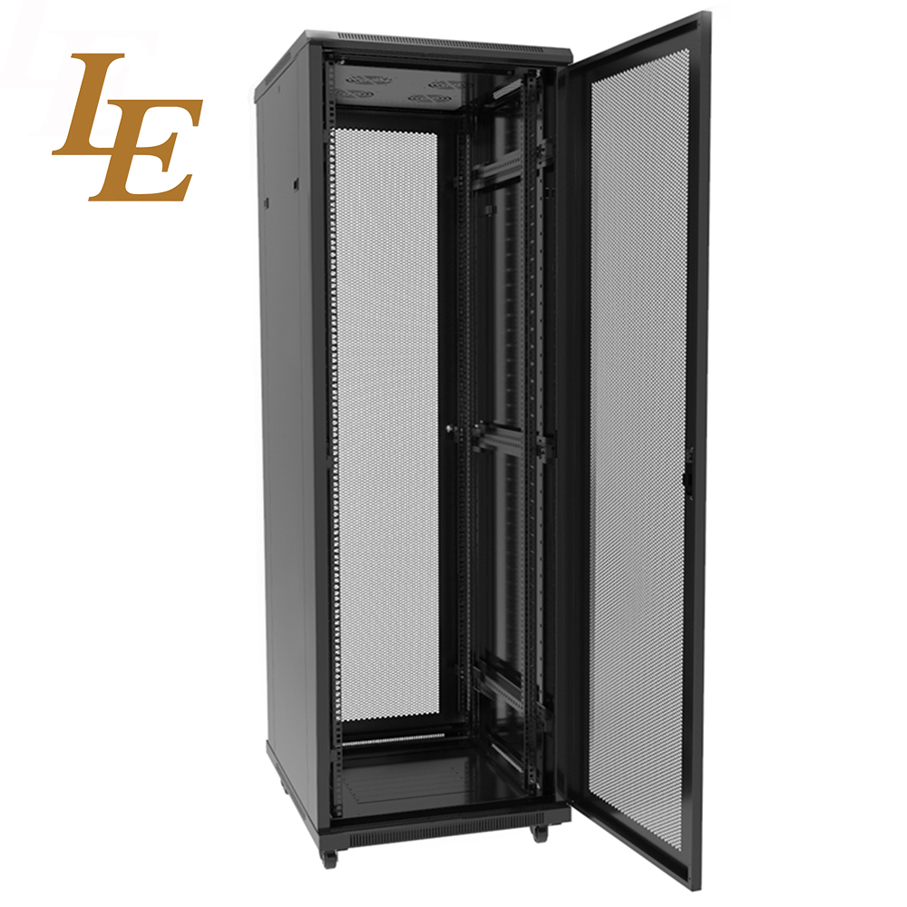 http://www.nbleit.com/upfiles/morepic-(5)LE-ND-Perforated-Door-Server-Rack1610768251.jpg